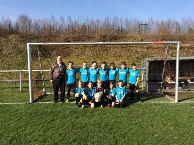Foto zur Meldung: U-11-Juniorinnen gewinnen erstes Punktspiel in der Jungenliga