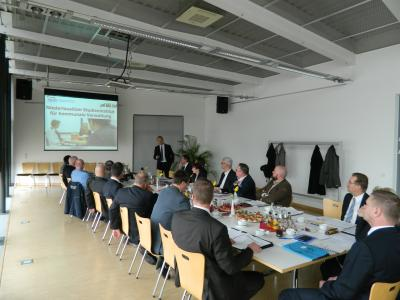 Foto zu Meldung: Landrat, Bürgermeister und Amtsdirektoren kamen in Schipkau zusammen