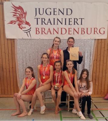 Foto zur Meldung: Erster Platz für die Mädchen des Vicco-von-Bülow-Gymnasiums