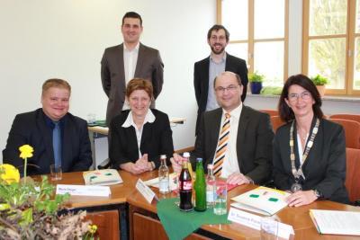 Foto zur Meldung: Staatssekretär Füracker sieht Zusammenarbeit im Städtedreieck als Vorzeigeprojekt