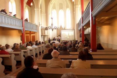 Foto zu Meldung: Erfolgreiche Chroniklesung in Groß Mehßower Kirche