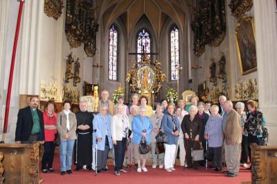 Foto zur Meldung: Senioren in der Wallfahrtskirche Bogenberg