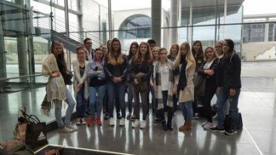 Foto zu Meldung: Besuch des Deutschen Bundestages