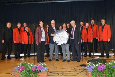 Vorschaubild zur Meldung: Riesen Erfolg: Konzert der Mainzer Hofsänger für die Theodor-Heuss-Schule Kastellaun