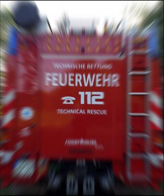 Foto zu Meldung: Brandbekämpfung - Gartenbrand