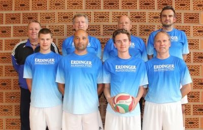 Martin Hofmair (hinten, v.li.), Georg Hadersdorfer, Herbert Held, Tobias Grießer und Andreas Spendel (vorne, v.li.), Michael Bauer, Marcel Dischler und Erwin Weikl
