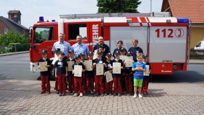 Foto zur Meldung: Verleihung der Kinderflamme