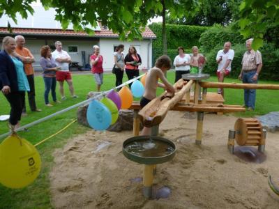 Foto zu Meldung: Wasser marsch! - Einweihung des neuen Wasserspielplatzes im Naturbad Brück