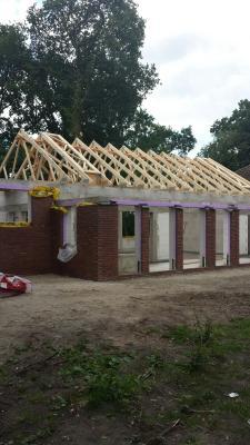 Foto zur Meldung: Die neue Mensa bekommt Dach und Fassade
