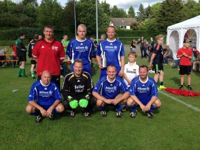Foto zur Meldung: SV Großschönach gewinnt Ü40-Bezirkmeisterschaft