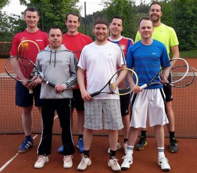 Foto zur Meldung: Tennis (Herren 1) - Saisonstart nach Maß