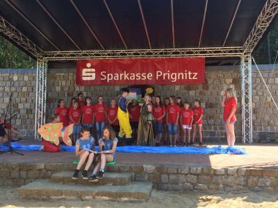 Foto zur Meldung: 7. Theatertag in Groß Woltersdorf