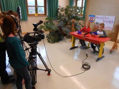 Foto zur Meldung: Unterricht einmal anders – Prackenbacher Schüler nahmen am Schülerwettbewerb zur politischen Bildung teil