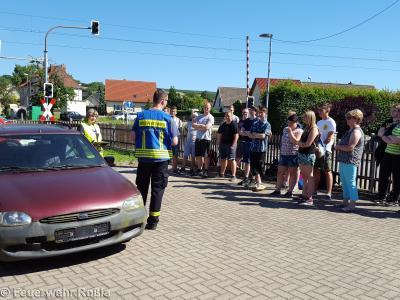 Foto zu Meldung: Vorführung Unfallrettung für Schüler