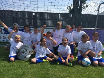 Foto zu Meldung: E-Junioren feiern Meisterschaft