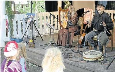 Foto zur Meldung: Heimatverein: Viele Besucher belohnen den Mut zu feiern