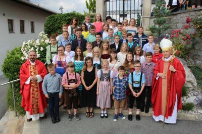 Foto zur Meldung: Firmung in der Pfarrkirche St. Johannes – Peter und Paul, ein besonderer Gedenktag