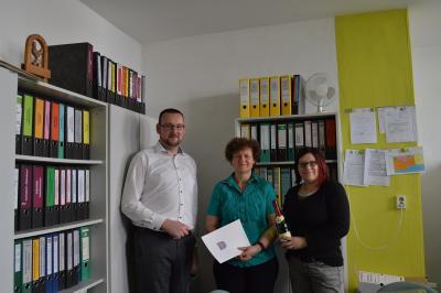 Bürgermeister Erik Thürmer, Heidrun Büttner, Nadine Rausch (Personalratsvorsitzende) v.l.