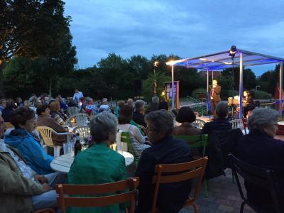Foto zu Meldung: Klassik & Rotwein  - erneuter Erfolg im Naturbad Brück