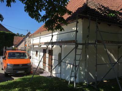 Vorschaubild zur Meldung: Verschönerungsarbeiten Stadel Dorfplatz