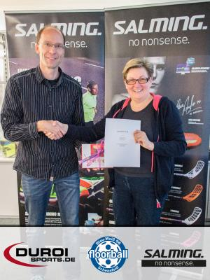 Foto zu Meldung: Neuer Ausrüstervertrag mit duroisports / UNIHOCKEY SHOP und Salming Floorball Deutschland