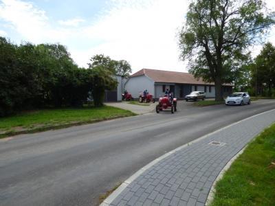 Mit historischen Porsche-Treckern angereist: der Porsche-Diesel-Club Europa in Möglin