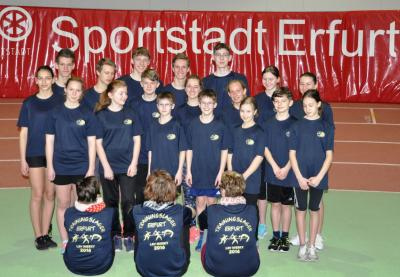 Gruppenfoto mit den neuen TL-Shirts