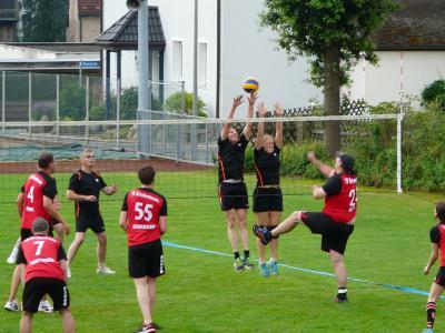 Foto zur Meldung: 2. Rasen-Volleyball-Turnier
