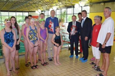 Foto zur Meldung: Neue Wettkampfleinen für die Schwimmabteilung
