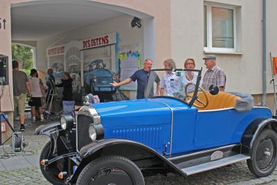 Foto zur Meldung: Oldtimerdurchgang in Calau eröffnet