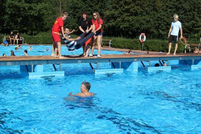 Foto zur Meldung: Letzter Badetag bei Bilderbuch-Wetter