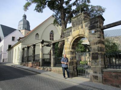 Ihr Lutherfinder vor dem Geburtshaus von Martin Luther