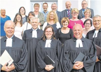 Foto zur Meldung: Evangelische Kirchengemeinde Burgschwalbach: Segen und viele gute Wünsche für Pfarrerin
