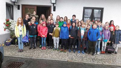 Foto zur Meldung: Ministranten mit Jugend- und Kinderchören genossen Ausflug nach Passau