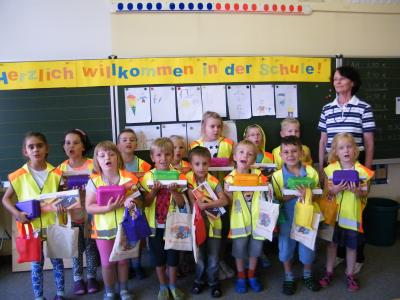 Foto zu Meldung: Geschenke für die 1. Klasse