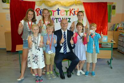 Foto zu Meldung: Ministerpräsident Dr. Dietmar Woidke  besuchte die  Grund-und Oberschule Schenkenland