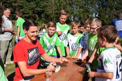 Foto zur Meldung: VfL Wolfsburg zu Gast in Bühren