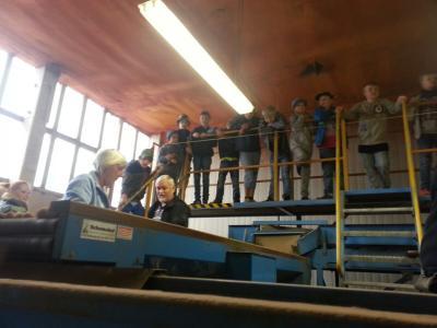 Foto zur Meldung: Besuch der Kartoffelhalle des ALV Crivitz