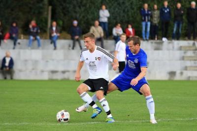 Foto zur Meldung: Erste Mannschaft der SG feiert 2:0 Derbysieg gegen die Spfr Owingen-Billafingen