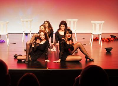 Komm zu uns auf die Bühne - Hobbyschauspielerinnen locken neue Interessenten auf die Bühne