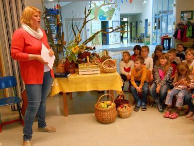 Foto zur Meldung: Erntedankandacht in der Grundschule