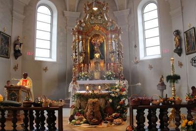 Foto zur Meldung: Danke –Sagen, das ist der Anfang vom Beten – Erntebrote an alle Gottesdienstbesucher