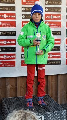 Foto zu Meldung: Medaillenränge beim Warsteiner-Pokalsprunglauf
