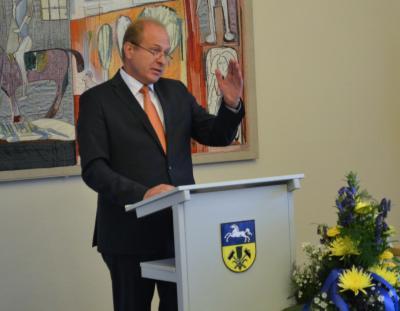 Foto zu Meldung: Gerhard Radeck als neuer Landrat eingeführt