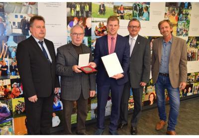 Foto zur Meldung: Verleihung der Sportplakette des Bundespräsidenten