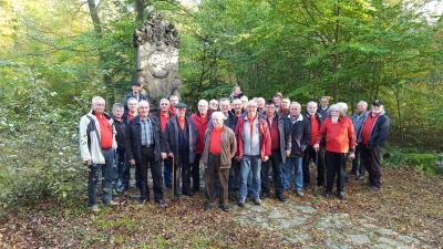 Foto zur Meldung: Feuerwehr—Altersabteilung auf Soonwaldtour