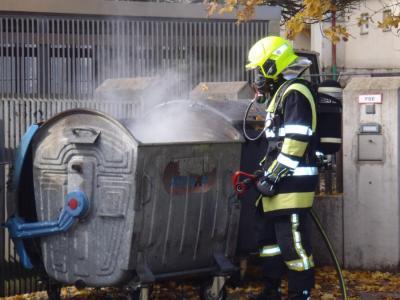 Vorschaubild zur Meldung: Brand Zeitungscontainer