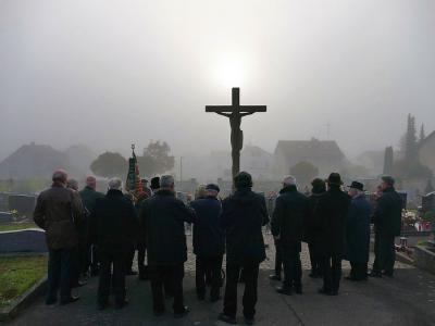 Foto zur Meldung: Friedhofsgang an Allerheiligen