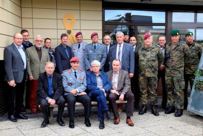 Auch Neukirchen bekennt sich mit der Gelbe Schleife zur Solidarität mit deutschen Soldaten.