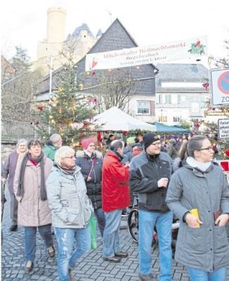 Foto zur Meldung: Ortsgemeinde: Märchenhafter Weihnachtsmarkt im Lichterglanz